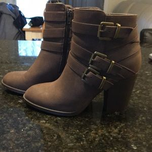 RARELY WORN Just Fab Buckle Booties